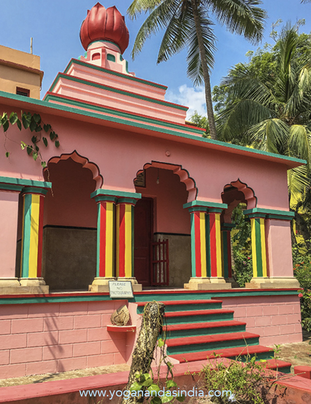 Paramahansa Yogananda had his younger brother Sananda build this temple over the burial site of Sriyukteswar's body and supervised all the details of the construction through a regular correspondence with his brother. Yoganandaji was highly pleased with his brothers inspired design of the gleaming white marble structure topped with its golden lotus made of polished copper. Construction of the samadhi temple was completed in 1952.