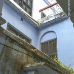 Lahiri Mahasaya was a householder and lived with his wife and their 5 children. We can imagine him looking through this window or standing on the balcony. While the family lived upstairs, Lahiriji would meet with disciples downstairs after work and his evening meal, for spiritual discussion, teaching and to meditate, often until late in the evening.